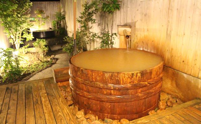 源泉掛流しの3種類のお風呂が楽しめる御池の湯 | 宮崎の家族風呂
